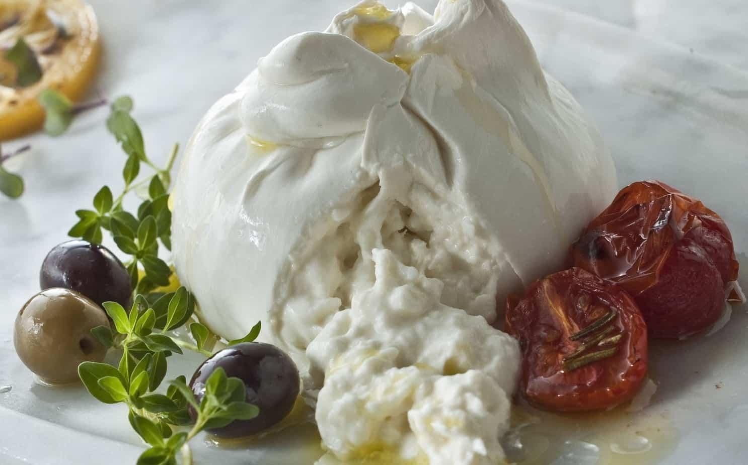 specialita-casearia-formaggio-stracciatella-monti-latteria-sorrentina-1880